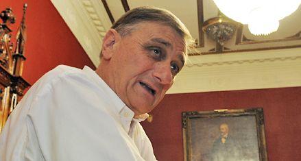 Binner criticó al gobierno y se quejó de algunos silencios de la Corte