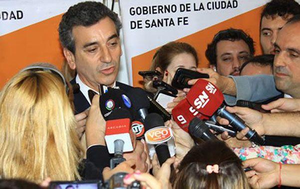 El ministro nacional y precandidato kirchnerista prometió obras para la capital provincial con fuerte tono de campaña.