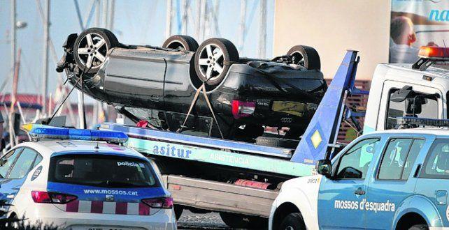 Huida fatal . El auto en el que iban los atacantes abatidos en Cambrils.