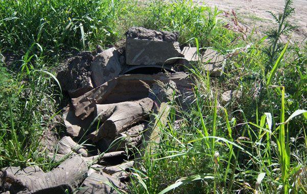 Los desagües taponados evitan el ingreso de agua desde Cañada del Ucle.