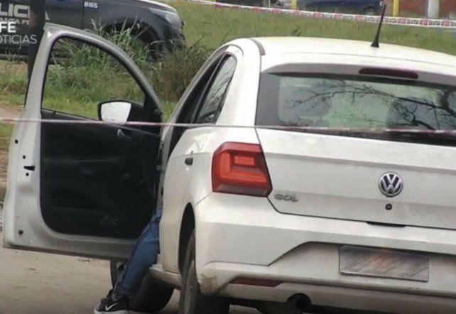 En el asiento. Cimino Ferreyra quedó muerto dentro del auto.