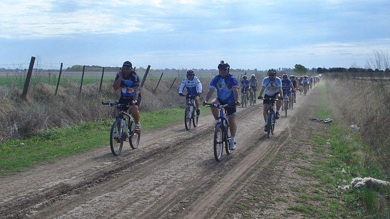 Cicloturismo LS organiza salidas grupales a fin de promover el uso de la bicicleta como medio de transporte.