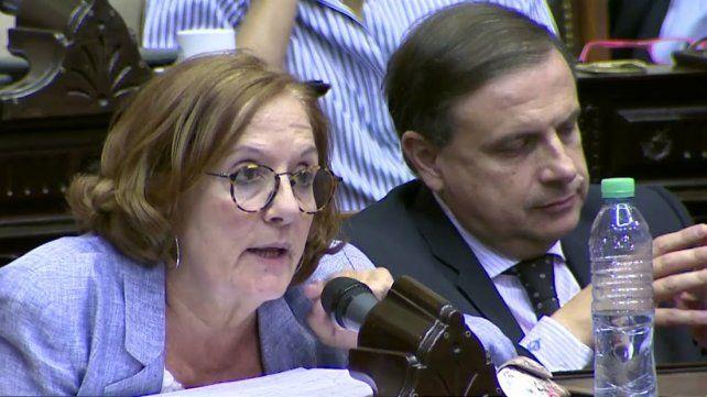 La cordobesa Alejandra Vigo -esposa del gobernador Juan Schiaretti- advirtió que no le parecía tratar un tema tan importante a las apuradas.