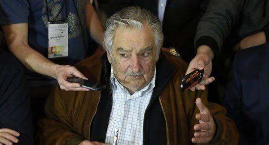 No quisiera tener presos de ochenta años en las cárceles. Los preferiría con una pulsera en la calle y que mueran con su familia.