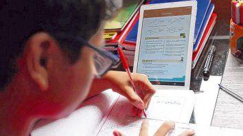 """""""El gran desafío se concentró en la premisa general de preservar el vínculo pedagógico"""", sostienen las autoras."""