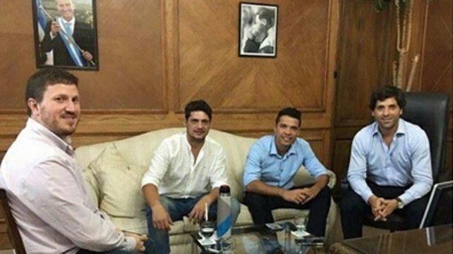 cónclave. La reunión en Buenos Aires con funcionarios nacionales.