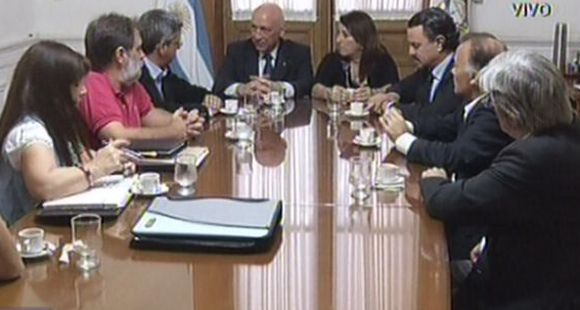 El gobernador Bonfatti se reunió con el periodista amenazado de La Capital