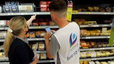 Controles. Inspectores del gobierno de la provincia de Buenos Aires ya recorren los supermercados.