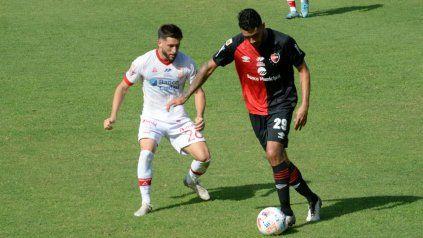 El defensor estará a préstamo en Independiente Rivadavia.