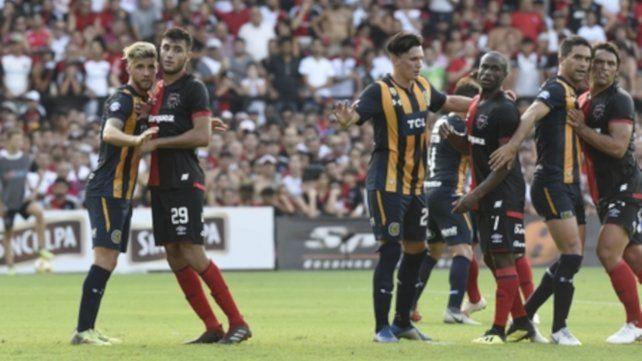 La última vez en el Parque. En febrero de 2019 el derby en el Parque terminó igualado 0 a 0. Los técnicos: Bidoglio y Bauza.
