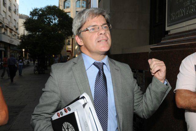 Jorge Barraguirre dice que los funcionarios públicos están obligados a rendir cuentas.