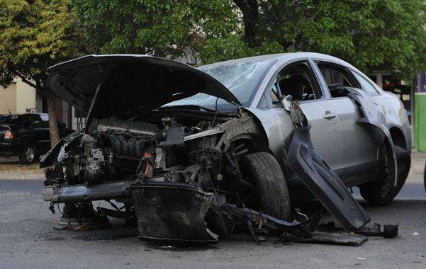 El auto. El Citroën C4 en el que huyeron los dos orientales. Uno recibió un tiro en la cabeza. Su acompañante tiene fractura de fémur y quedó detenido.
