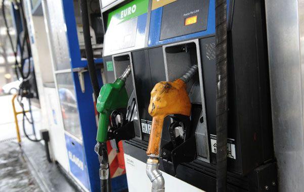 En cadena. El aumento de la nafta impacta en el resto de la economía.