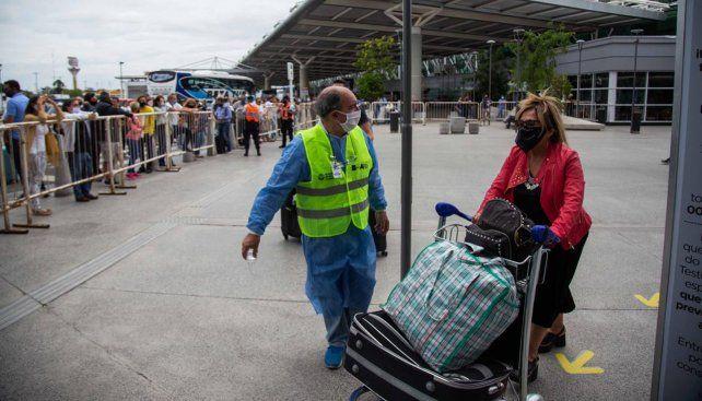 Personas que regresaron al país no no se aislaron ahora deberán responder penalmente.
