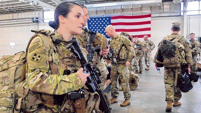 En peligro. Soldados de la 82ª división en Fort Bragg se preparan para viajar a Medio Oriente.