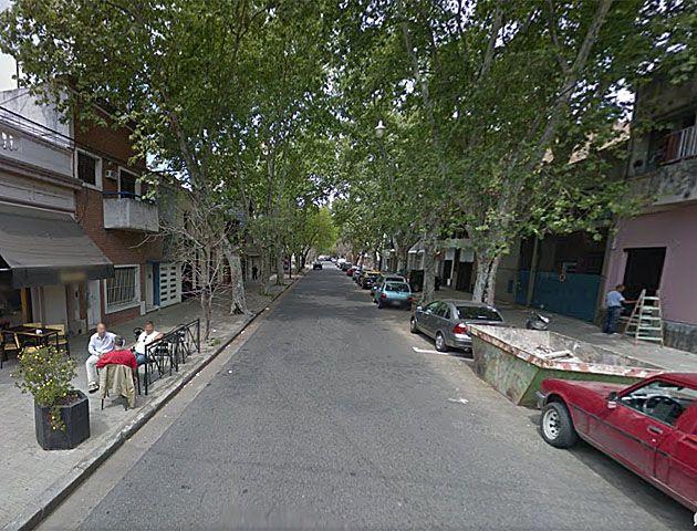 Rodríguez entre 9 de Julio y Zeballos. La entradera ocurrió esta mañana. Una familia estuvo media hora a merced de tres hampones.