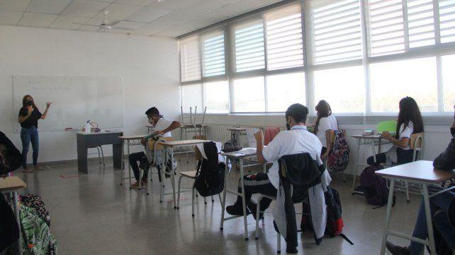 Las clases presenciales están suspendidas en Rosario y San Lorenzo.