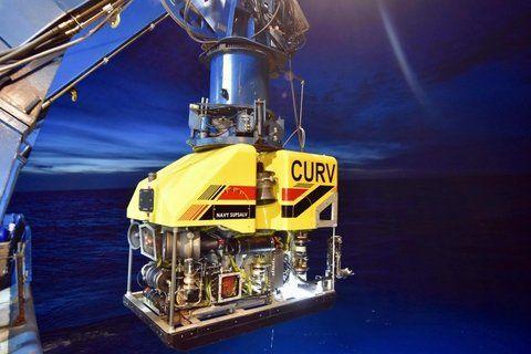 recursos. El robot CURV-21 de EEUU comenzó ayer a operar en la zona.