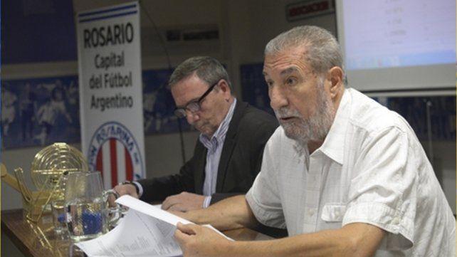Mario Giammaría: El titular de la Asociación Rosarina de Fútbol junto a los directivos de todos clubes