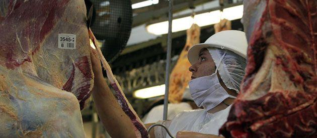 La industria eliminó más de mil empleos en la región de Rosario.