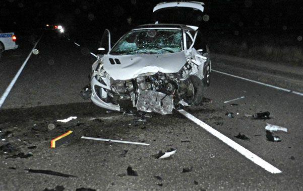 Fatal. Federico Cash chocó anteayer en su Peugeot 207 blanco con un Renault Clío