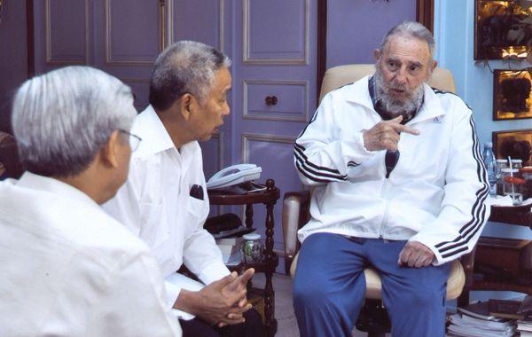 El 13 de abril Fidel recibió a una delegación de Vietnam.