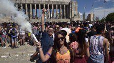 Los alumnos de quinto año celebraban el fin del secundario en el Monumento. La pandemia alteró todo.