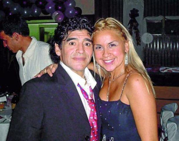 Verónica espera su segundo hijo con Maradona.