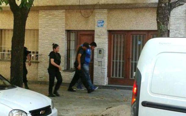 Atrapado. El ladrón fue detenido en los techos después de varios balazos.