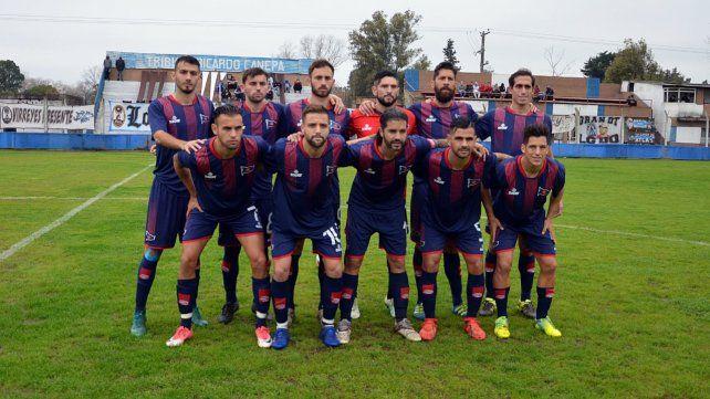 Buen punto del charrúa: El equipo de Juan Rossi que se presentó en la cancha de Atlas y conquistó una igualdad en el arranque del torneo Clausura.