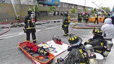 daño total. Uno de los muchos locales de Walmart en Chile que fueron incendiados.