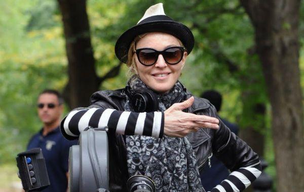 acción. Madonna evoca temas como el amor y el poder en su filme.