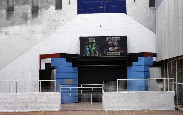Inactividad. El boliche ubicado en la sede social de Central Córdoba (San Martín al 3200) mantiene cerradas sus puertas. Los dueños se fueron con la música a otra parte