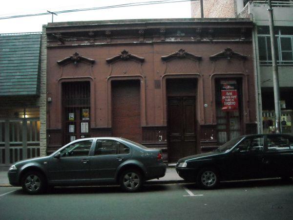Los delincuentes forzaron la puerta de la casona de San Juan al 1900.