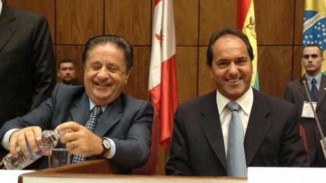 Duhalde y Scioli, en la lista del vacunatorio VIP que difundió el Ministerio de Salud