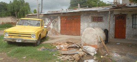 Un brutal ajuste de cuentas a balazos acabó con tres muertos en barrio Itatí