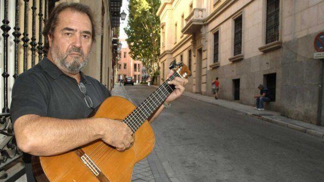 A los 72 años falleció en un siniestro vial el cantautor español Patxi Andión