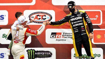 Benvenuti parece pedirle perdón. El subcampeón del TC superó al campeón en la última vuelta, justo en la casa de Werner.
