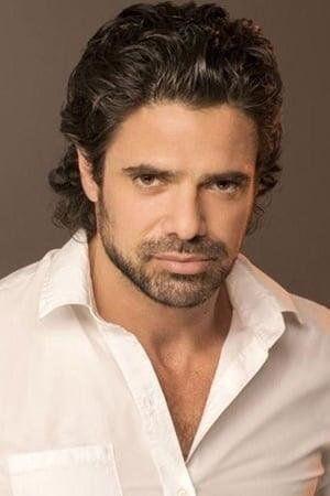 Luciano Castro encarna a un profesor de Educación Física.