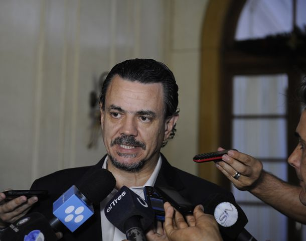 El ministro de Gobierno cuestionó la protesta con bombas de estruendo en contra de la tasa vial. (Foto: S. Toriggino)