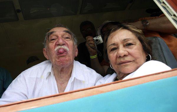 García Márquez junto a su mujer