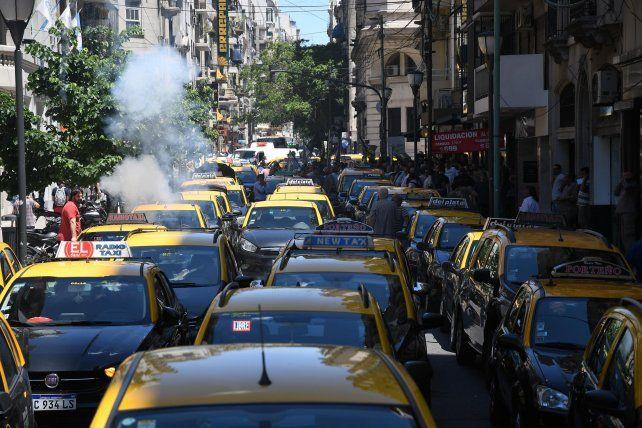 La Justicia porteña vuelve a exigir la suspensión de Uber