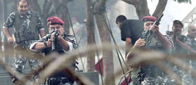 El ejército dispara contra los manifestantes