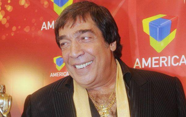 El cantor Cacho Castaña