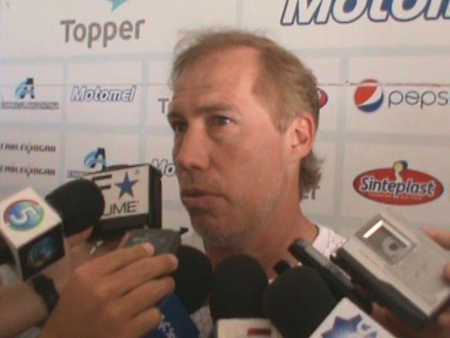 Newells: Sensini espera la llegada de los transfers para confirmar el equipo
