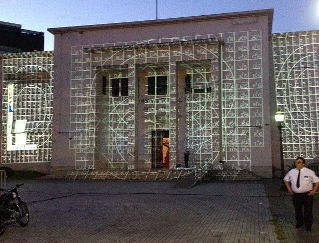 Un ensayo para palpitar el inédito show de imágenes en 3D en el museo Castagnino