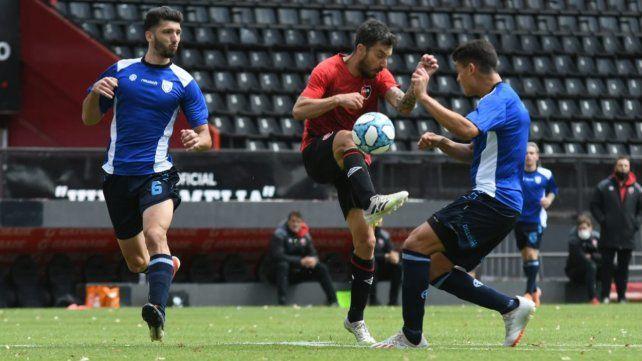 Nacho Scocco volvió a marcar otro tanto en un nuevo amistoso de Newells.