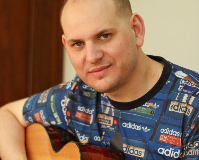 Hits en la criolla. Mauro Ramos versionó temas de Fito Páez.