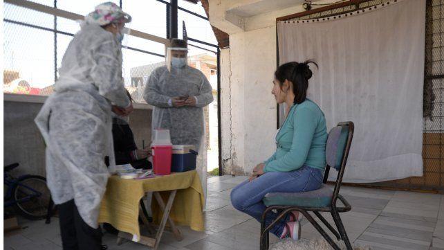 La campaña de vacunación en Rosario continúa a buen ritmo.