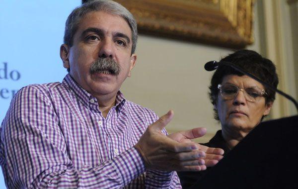 Aníbal Fernández y Elena Corregido presentaron dos proyectos que incluyen un registro nacional de deudores alimentarios.